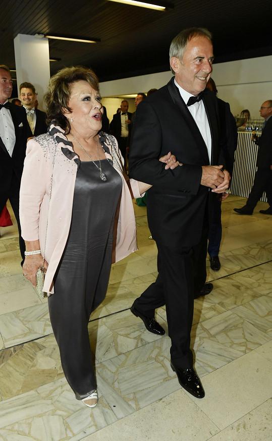 Jiřina se svým blízkým přítelem, milionářem Lubomírem Fockem.