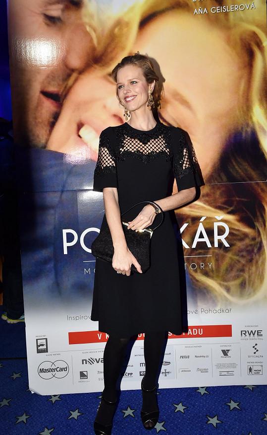 Eva Herzigová přijela na premiéru filmu Pohádkář.