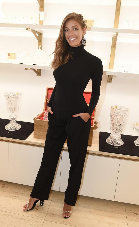 Alagič začínala v soutěži krásy, stala se reportérkou Fashion TV a nyní na sebe upozornila jako moderátorka SuperStar.