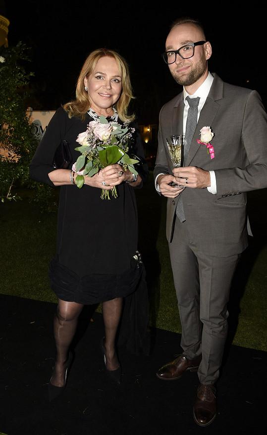 Pro mnohé bylo překvapením, že na večírek dorazila také Dagmar Havlová.