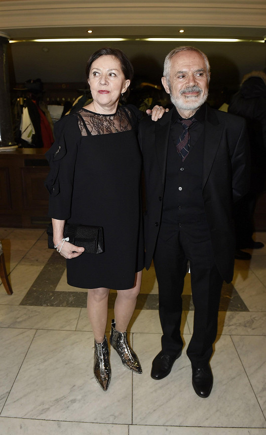 S manželem Morisem Issou