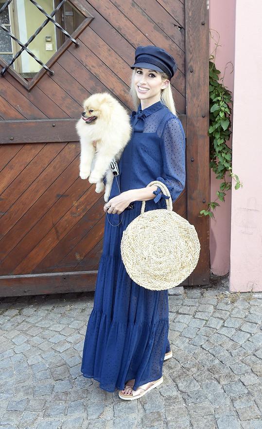 Nejkrásnější doplněk, svého psíka rasy pomeranian, měla módní blogerka Inna T.