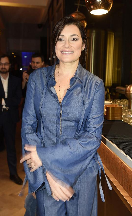 Alena se občas objeví i doma v Česku. Loni byla čestným hostem finále Czechoslovak TopModels.