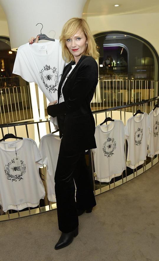Geislerová má vlastní limitku triček.