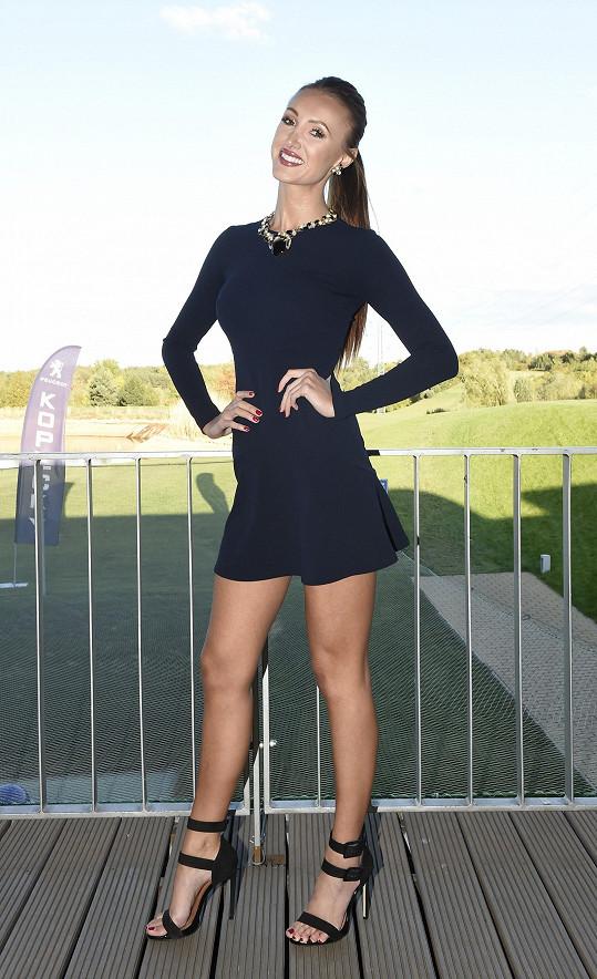 Taťána Makarenko odlétá reprezentovat na světovou soutěž krásy.