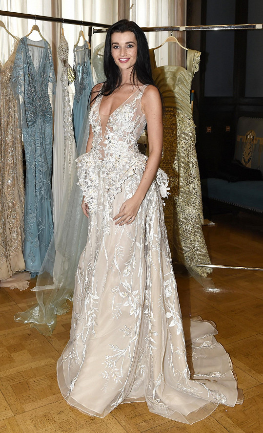 Některé modely budou předváděny na návrhářčině přehlídce pořádané k pětatřicátému výročí působení v módním byznysu. Některé šaty se zase objeví na výstavě Blanky Matragi v Obecním domě, která byla opět o dva roky prodloužena.