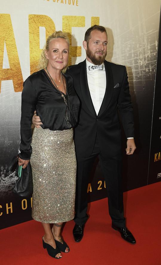 Ředitelka nadace Kapka naděje Vendula Pizingerová s manželem Josefem Pizingerem
