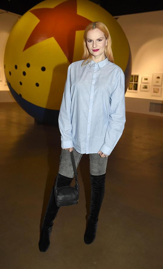 Iva Pazderková na vernisáži Pixar