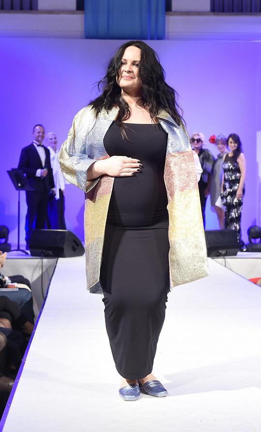 Jitka Čvančarová se odvážila na molo i v pokročilém stádiu těhotenství.