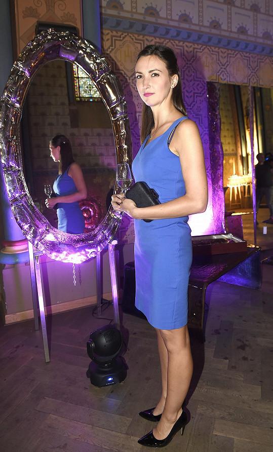 Lucie Gelemová si vyhlédla zrcadlo, které by se jí líbilo do bytu.