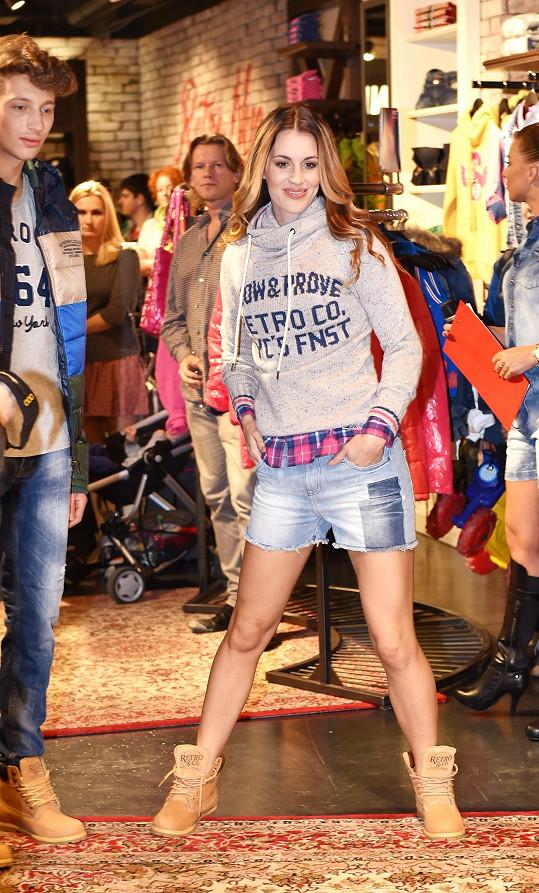 Lucie předváděla volnočasovou módu.