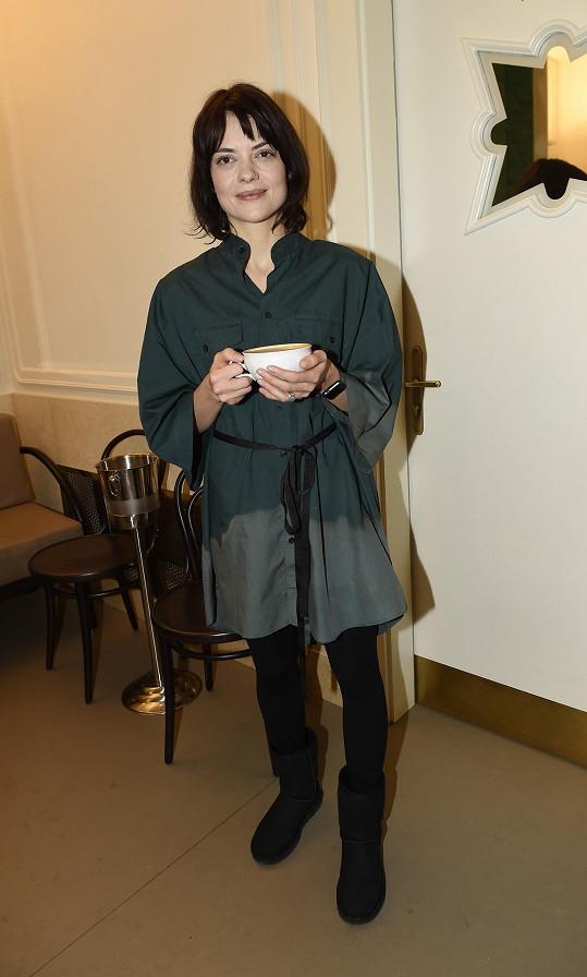 S herečkou Janou Strykovou moderuje pořad o bydlení, kde čerpá inspiraci pro vlastní rekonstrukci chalupy.