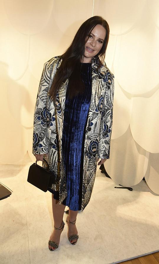 Outfit svěřila do rukou stylisty Jana Pokorného.