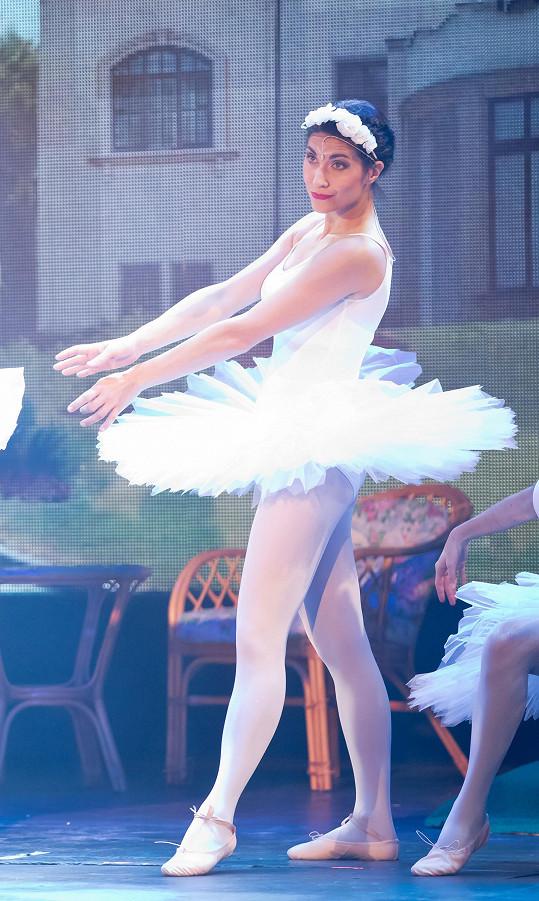 Na jevišti se představí například jako baletka.