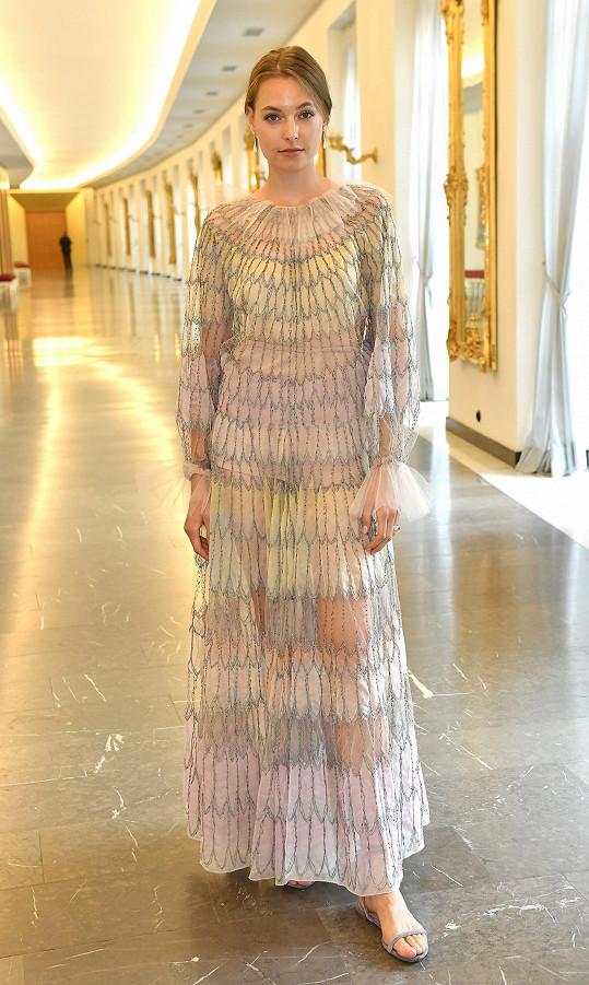 Topmodelka Magdaléna Havlíčková ve snových šatech z aktuální kolekce Valentino.