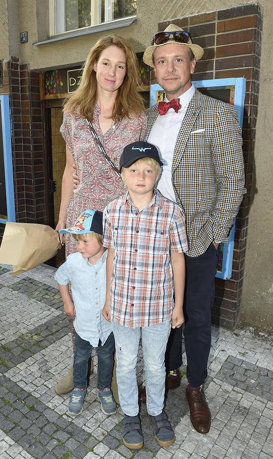 Maminku a jejího přítele přijela podpořit dcera Pepina s partnerem Ondřejem Kavanem.