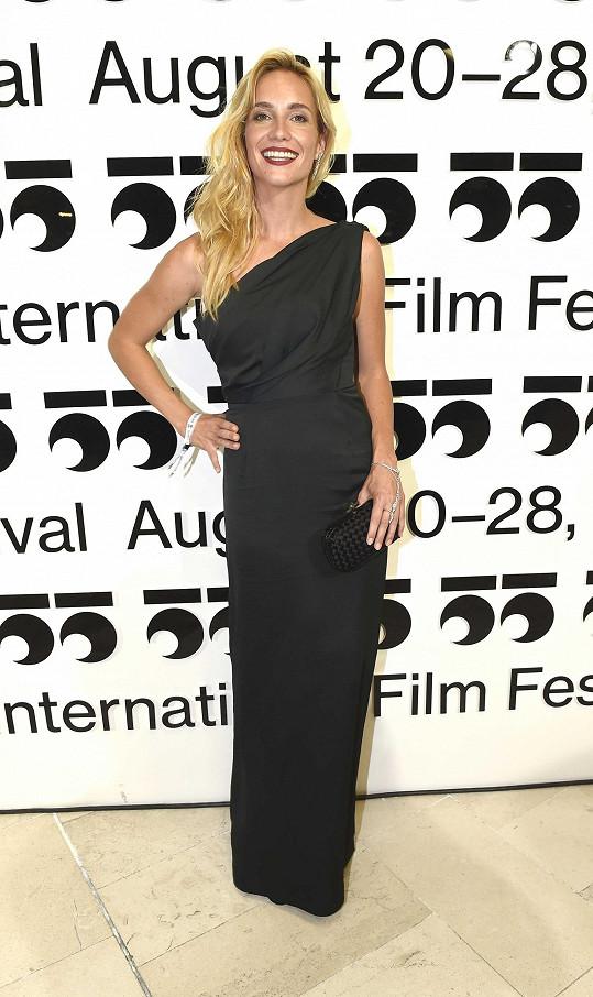 Hana Vagnerová si nechala ušít model od návrháře Lukáše Macháčka.