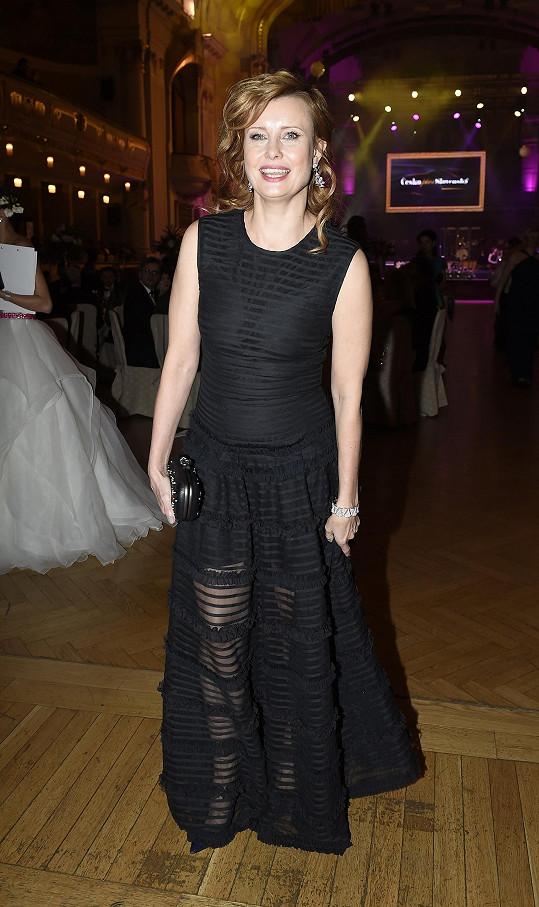 Jitka Schneiderová v róbě Givenchy na Česko-Slovenském plese