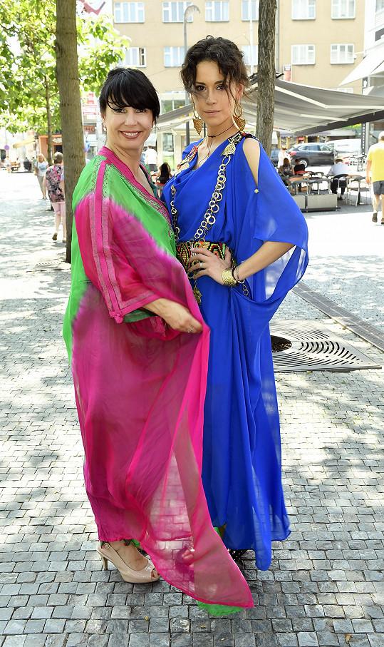 S modelkou Kateřinou Votavovou si tuniskou módu pochvalovaly.