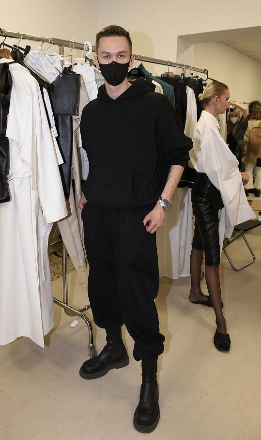 Předváděla na pražském týdnu módy pro Michaela Kováčika.