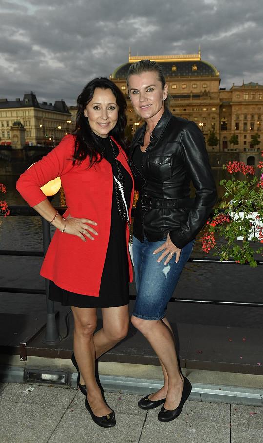 Gratulovaly i zpěvačky Heidi Janků a Leona Machálková.