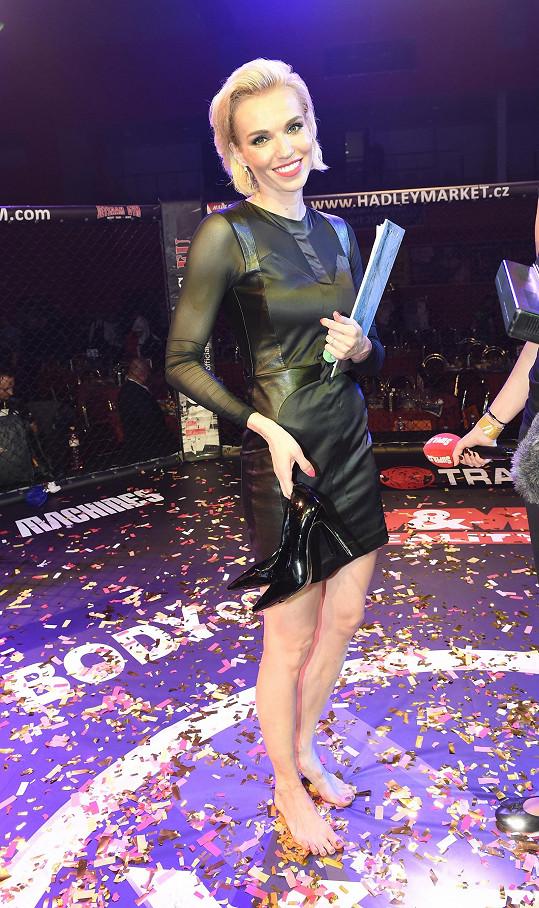 Mašlíková moderovala galavečer MMA.