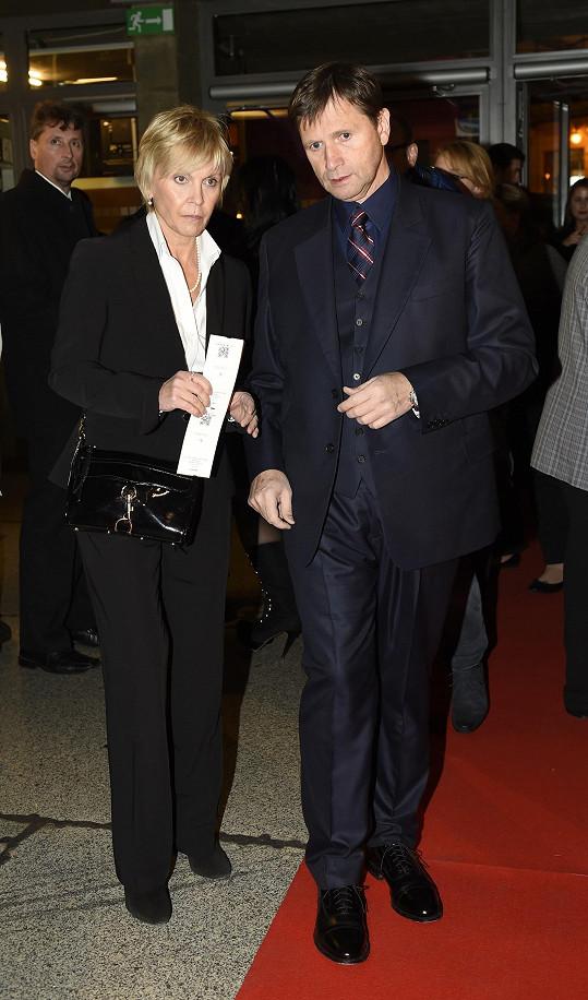 Podívat se přišel i Jan Hrušínský s manželkou Miluší Šplechtovou.