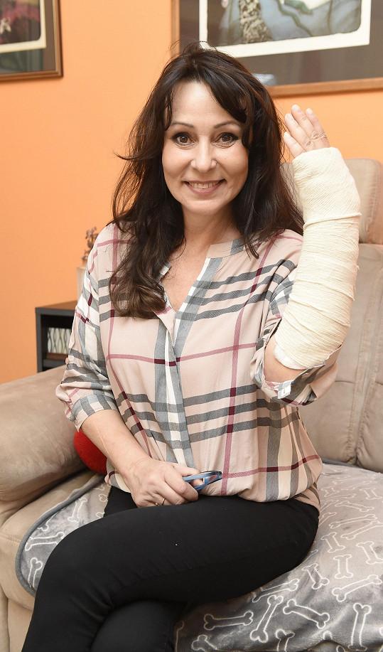 Heidi Janků uklouzla na horách a způsobila si zranění.