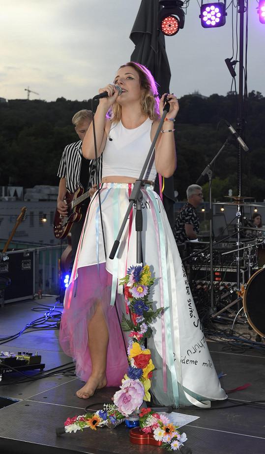 Anna Slováčková po půl roce od vydání desky Aura konečně uspořádala koncertní křest.
