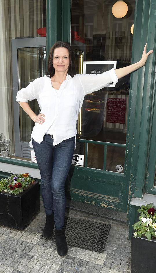 Melíšková má své filmové ceny doma v kuchyni.