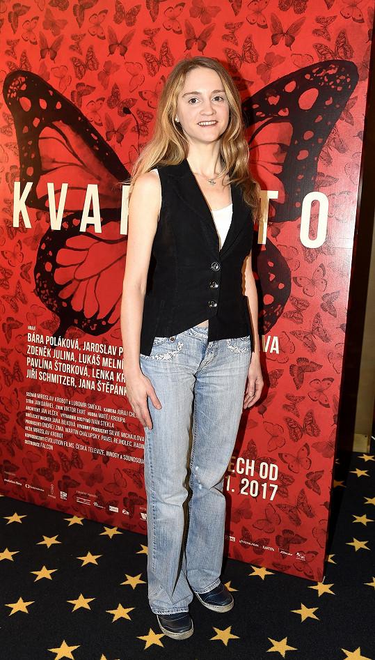 Pavlína Štorková s filmovým plakátem Kvarteta