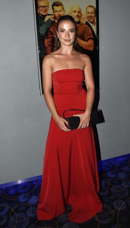 Jana Kolesárová patřila mezi nejlépe oblečené ženy premiéry.