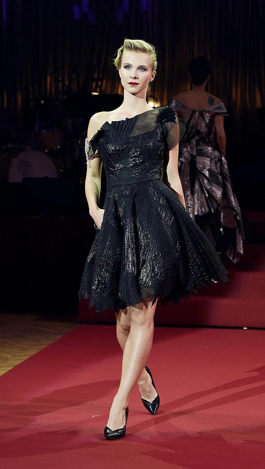Naposledy se Jelínková předvedla v Česku na přehlídce Natali Ruden.