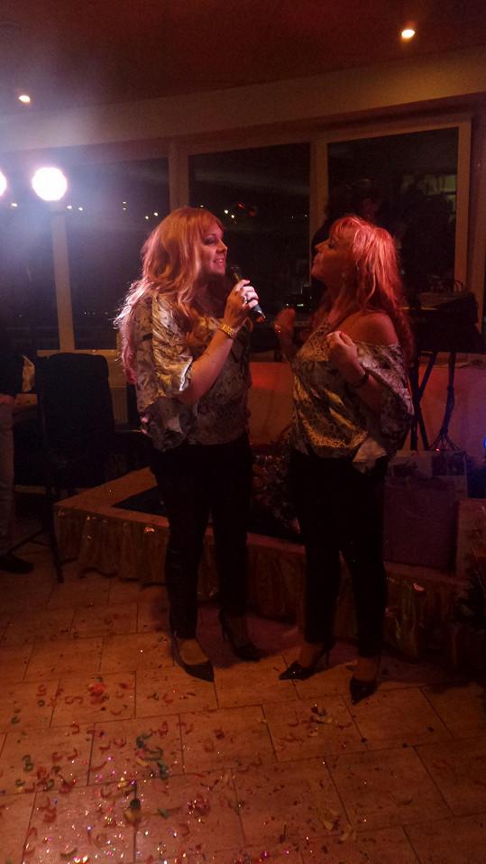 Sandra s Marcelou zpívají hit Ráno...