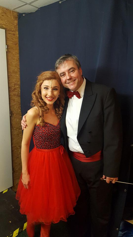 Natálka po nedělním představení s dirigentem Michalem Macourkem