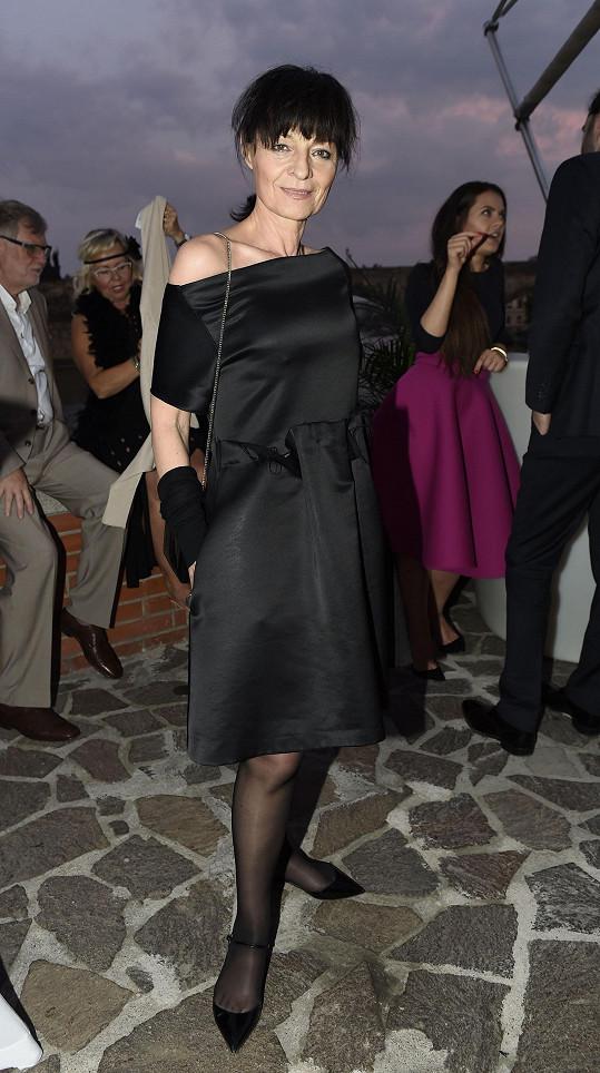 Liběna Rochová klasicky v černé