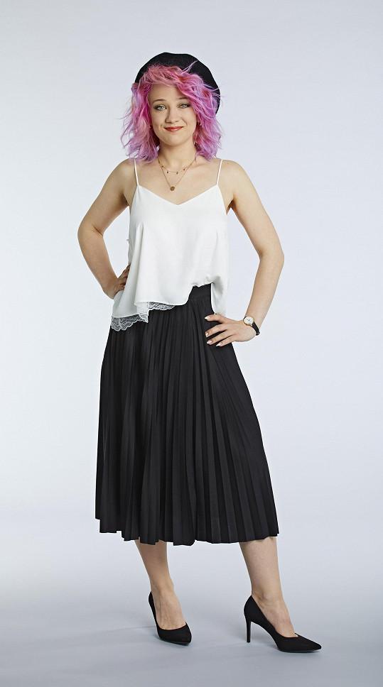 Umělkyně Sia a píseň Chandelier čeká na Terezu Maškovou.