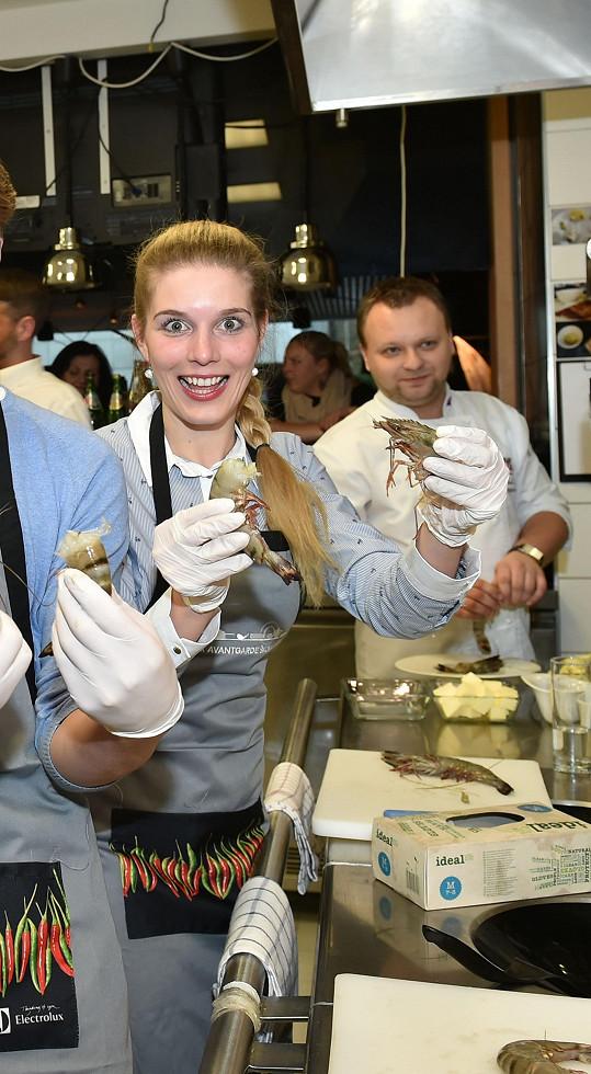 Henrieta na lekci vaření