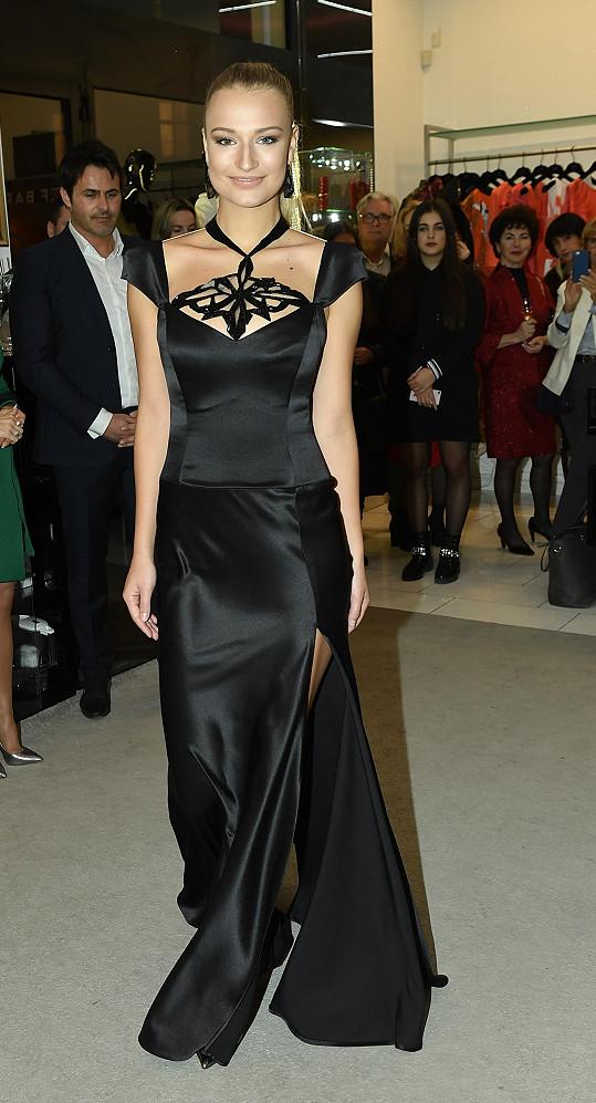 Mezi modelkami byla i Kateřina Kasanová, která randí s Benem Cristovaem.