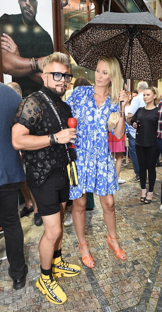 Vyrazili na párty, kde se potkali i s modelkou Kateřinou Průšovou.
