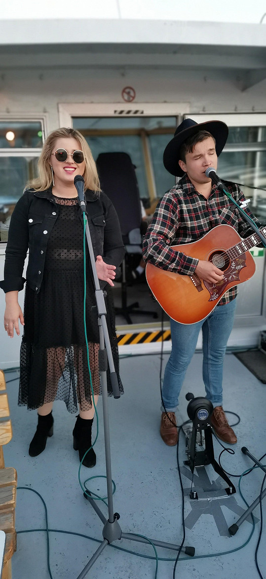 Zpěvačka koncertovala i s kolegou Martinem Harichem.