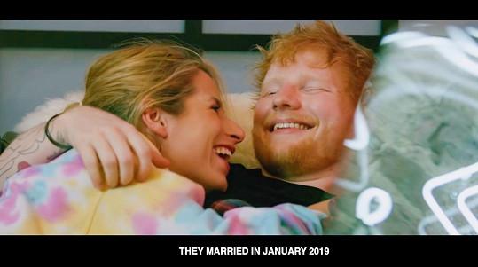 Svou lásku ze školy si vzal v lednu roku 2019.