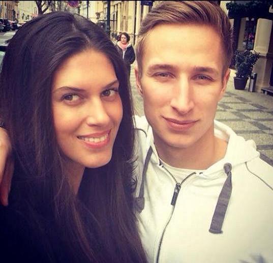 Aneta chodí s fotbalistou Michalem Zemanem, který aktuálně hraje za Opavu.