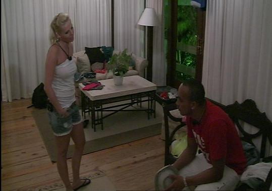 Nejdříve došlo mezi Naty a Rockym k vyhrocené výměně názorů.