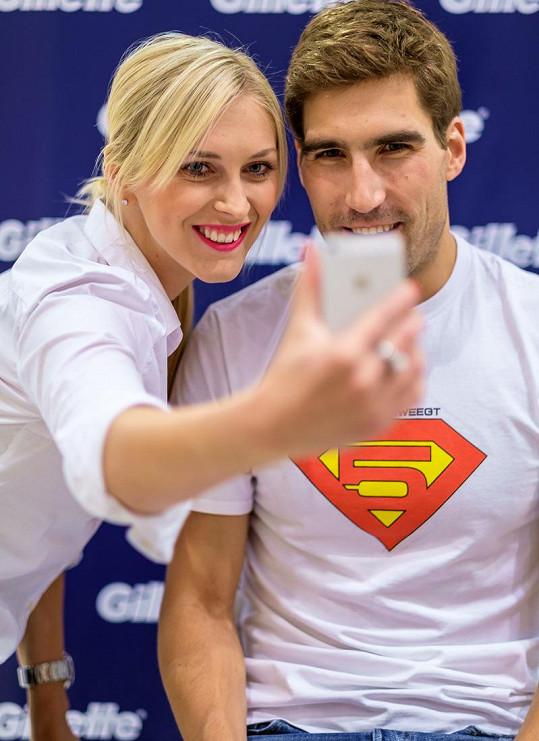 Společnou selfie možná Zora poslala Mírovi.