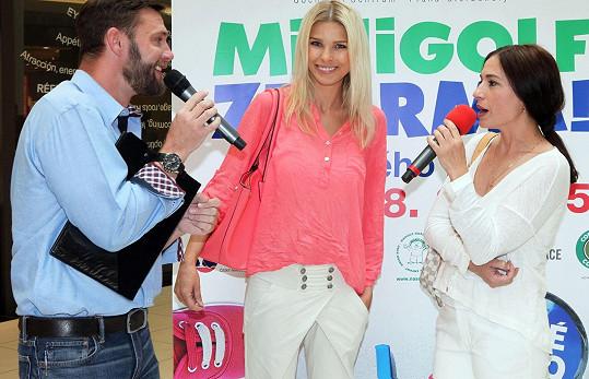 Michaela Kuklová s Romanou Jákl Vítovou