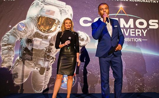 Lucie a Rey moderovali zahájení největší výstavy kosmonautiky, která se koná v Praze.