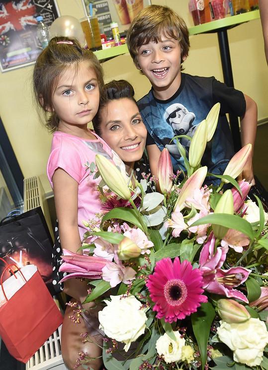Eva Decastelo oslavila 38. narozeniny.