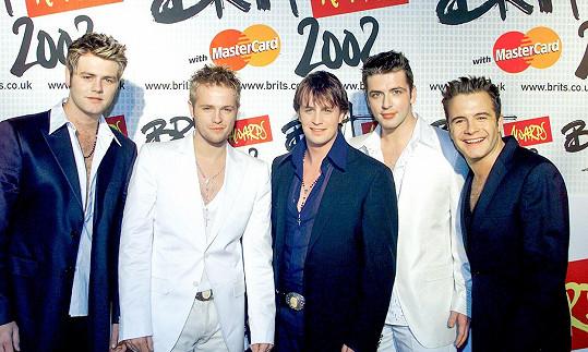 Prvním singlem skupiny Westlife byla píseň Swear It Again v roce 1999, která se ihned vyšplhala na první příčky britských hitparád.