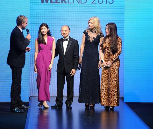 Moderátor večera Libor Bouček vyzval na pódium jeho dceru Emilly